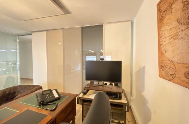 Panel japonés instalado en vivienda particular
