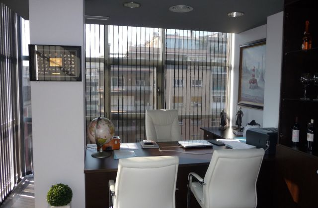 Cortines Verticals per a un despatx en unes oficines de barcelona