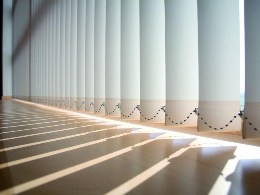 detall cortina vertical